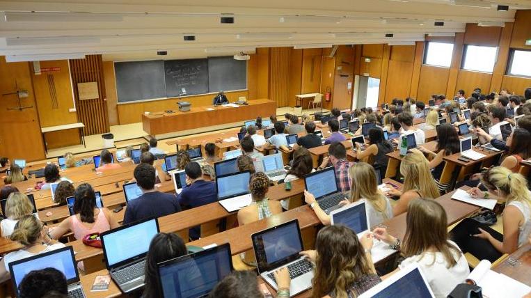 Votre cours, avec un PC ou du papier ?